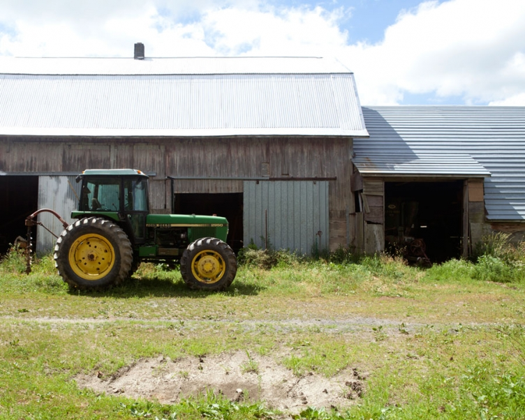 http://carlsweets.com/files/gimgs/th-4_09_auburn_ny_tractor_web.jpg